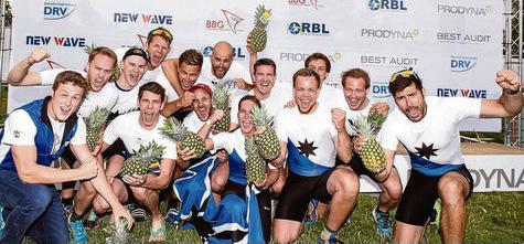 Imort genießt die Goldene Ananas